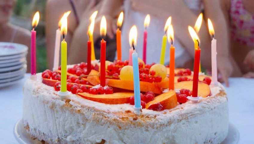 Ora potete cantare Happy Birthday senza essere arrestati