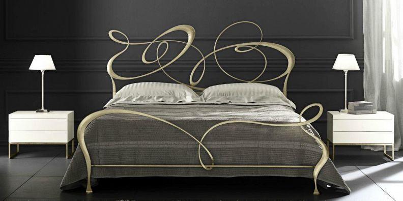 Come fare una testata del letto in legno design casa - Come far felice un uomo a letto ...
