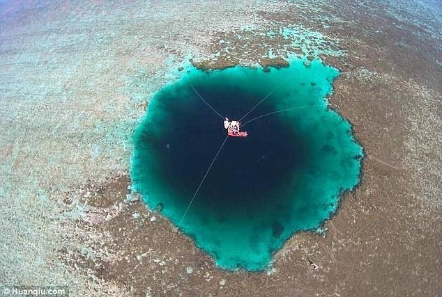 In Cina la fossa sottomarina più profonda del mondo