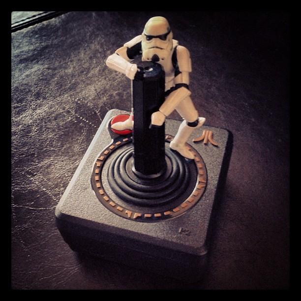 Che differenza c'è tra joystick e joypad nell'ambito giochi e console