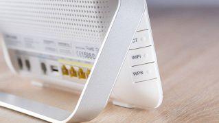 Che differenza c'è tra modem e router nella comunicazione tecnologica
