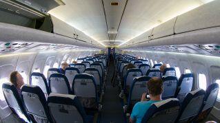 10 consigli per volare comodi in classe economica