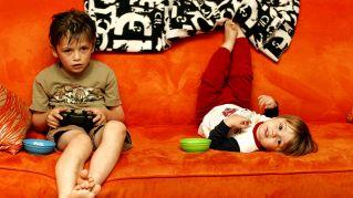 Videogiochi: i maschi non giocano meglio delle femmine, lo dice la scienza