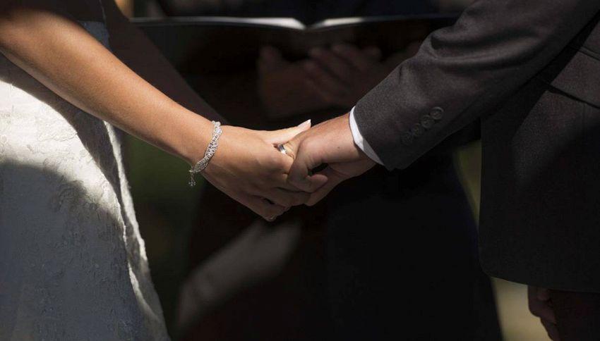 Le ragioni per cui il 90% delle donne è attratto dagli uomini sposati