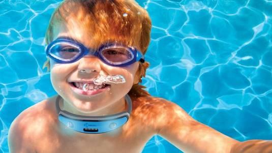 Bambini e rischio annegamento, papà inventa collare salvavita