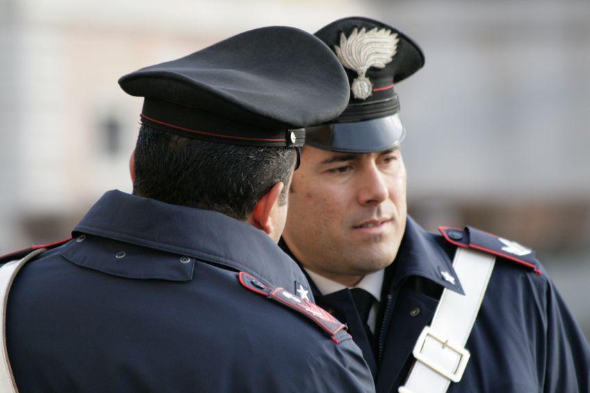 Che differenza c'è tra i carabinieri e la polizia
