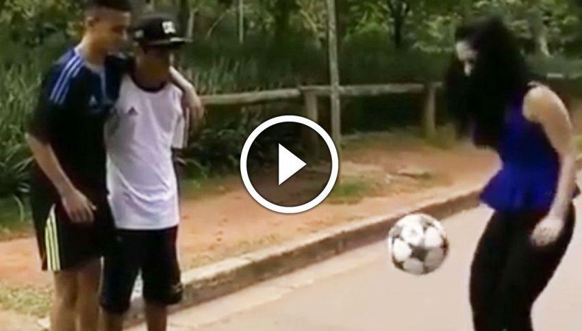 La ragazza che palleggia come Maradona, ma col tacco 12