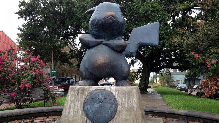New Orleans, dal nulla appare una nuova statua Pokemon