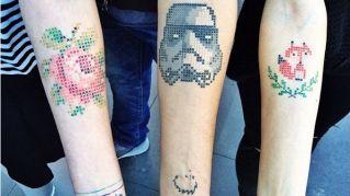 Tatuaggi e punto croce, la nuova moda tutta femminile