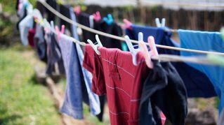 Scoprite con quale frequenza dovreste lavare diversi indumenti