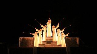 Lo show teatrale più grande d'America: 700 attori in lip sync