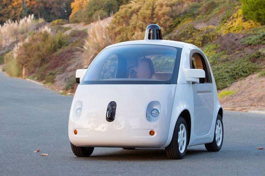 Come ci si sente in un'auto autonoma, senza nessuno alla guida?