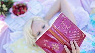 Leggere libri allunga la vita, lo dice la scienza