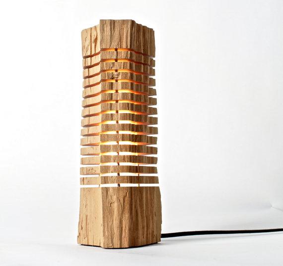 La bellezza è nelle cose semplici, come queste lampade di legno