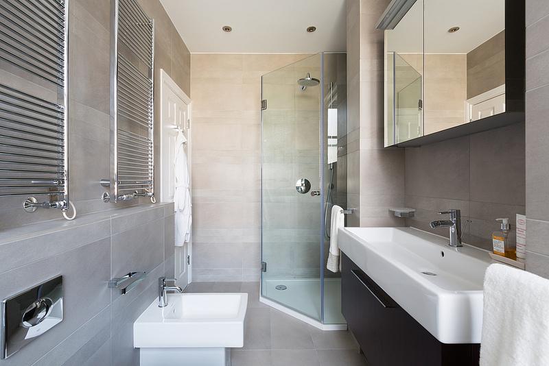 Bagno Stretto E Lungo Idee : Idee per ristrutturare il bagno stretto e lungo arredare un