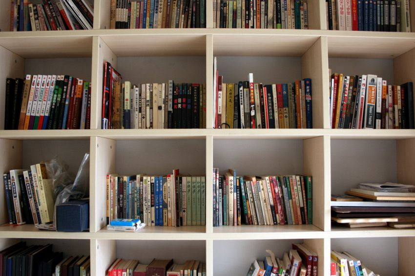Librerie divisorie soggiorno: un modo per riorganizzare il soggiorno davvero smart