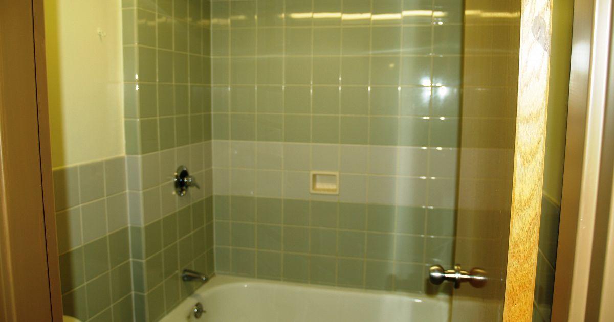 Vasca con doccia integrata: unire stile e funzionalità  superEva