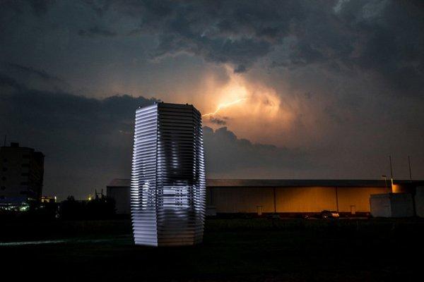 Smog free tower, aspira lo smog e lo trasforma in aria pulita
