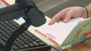 La biblioteca americana che prevede l'arresto per chi riconsegna i libri in ritardo