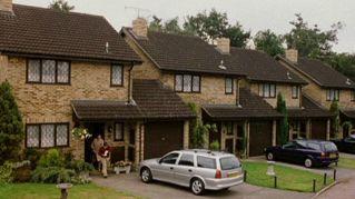 Harry Potter vende casa, ripostiglio sotto le scale compreso nel prezzo