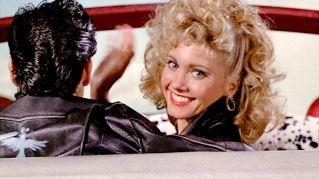 Grease: Sandy è morta per tutto il film. La teoria dei fan