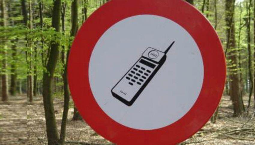 Ti siedi a tavola senza cellulare? Ecco il ristorante che ti fa lo sconto