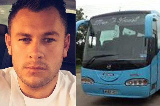 Un turista ubriaco a Ibiza ha comprato per sbaglio un bus da 30mila euro