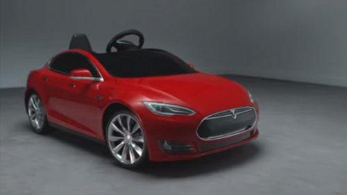 Vi piacciono le super car Tesla? Ora vostro figlio può guidarne una