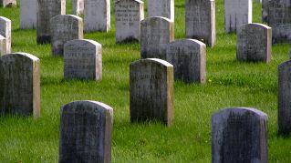 Vuoi essere sepolto vivo? In Russia costa solo 50 euro
