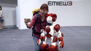 Se in aeroporto non sai dove andare, chiedi al robot