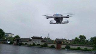 Il drone per selfie esiste davvero ed è tascabile