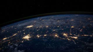 Cina, il parco divertimenti hitech vi porta nello spazio