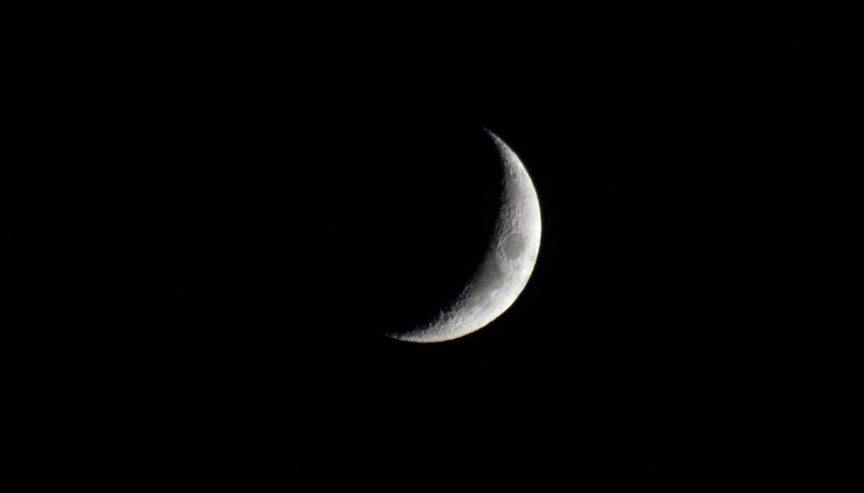 Luna nera: domani finirà il mondo. La profezia
