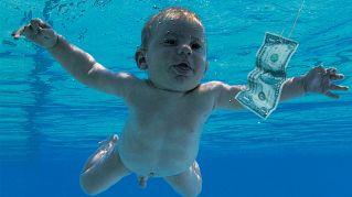 """Com'è il bambino della copertina di """"Nevermind"""" dei Nirvana, oggi"""