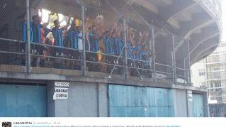 Il Pisa vince a porte chiuse. La squadra sale in curva per salutare i tifosi
