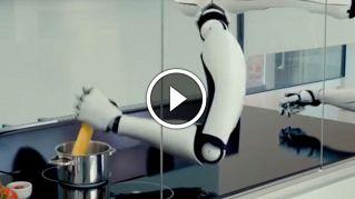 Il robot che cucina e lava è l'invenzione che cambierà  la nostra vita