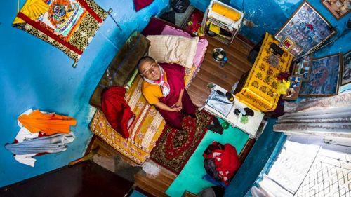 Il fotografo che immortala le stanze di tutto il mondo dall'alto