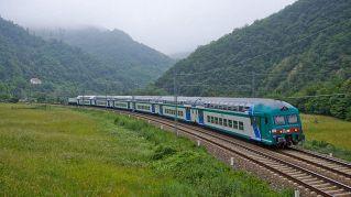 """Macchinista lascia 190 passeggeri in campagna: """"Il mio turno è finito"""""""