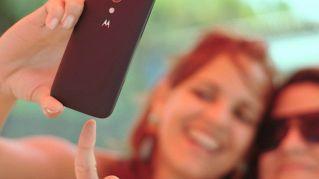 I selfie ci rendono più felici, lo dice la scienza
