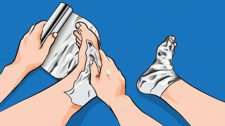 Usare fogli di alluminio sul corpo può aiutarti a combattere il raffreddore