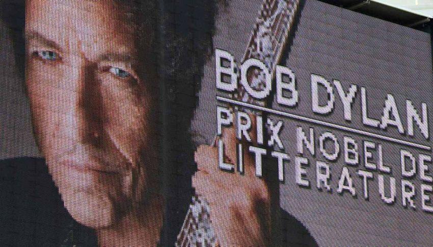 Io non sono qui: l'Accademia del Premio Nobel non trova Bob Dylan
