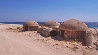 Il segreto dei 750mila bunker costruiti in Albania