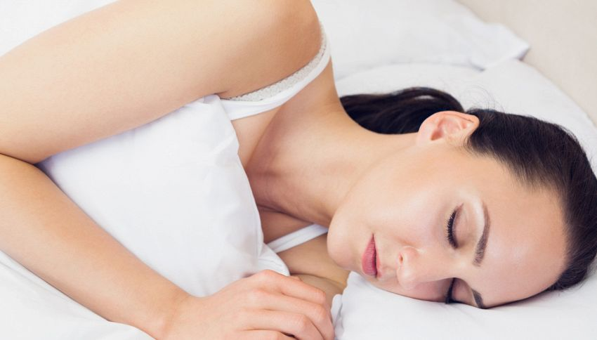I capelli possono rovinarsi di notte: 6 cattive abitudini insospettabili