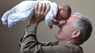 Cosa hanno in comune le generazioni di nonni e nipoti?