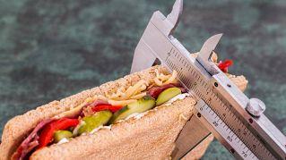 8 ragioni per cui ingrassi anche se sei a dieta