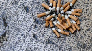 Magia e illusionismo: far sparire la sigaretta nella mano
