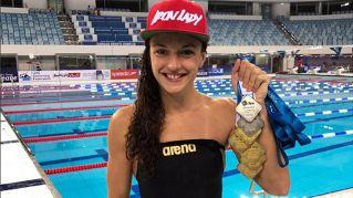 Il nuovo fenomeno del nuoto: 13 medaglie in 48 ore