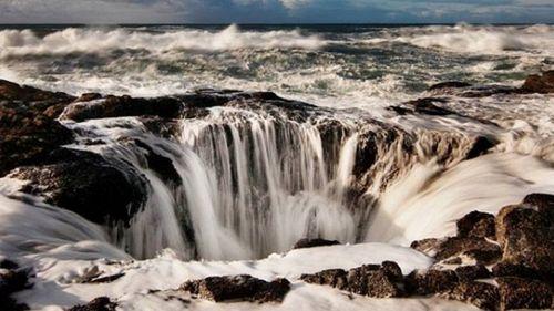 La porta dell'inferno, il cratere nel Pacifico che inghiotte la navi