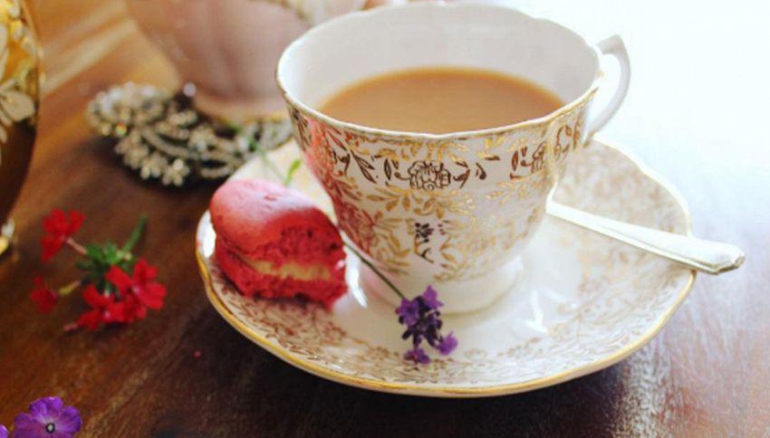 Un uomo inglese ha impiegato 11 ore per scaldare una tazza di tè