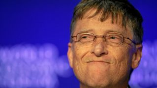 Bill Gates inventa il profumo contro la puzza nei bagni pubblici